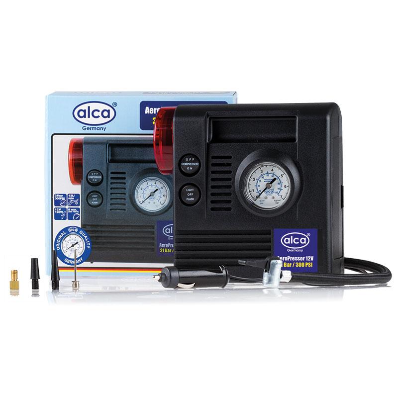 Автомобильный компрессор Alca, 3 в 1, 12 В. 233000233000Автомобильный компрессор Alca предназначен для быстрого накачивания шин, резиновых лодок, мячей, матрацев и других резиновых изделий. Корпус выполнен из прочного пластика. Компрессор оборудован точным манометром со шкалой 7 бар, сигнальной лампой и фонарем, помогающим накачивать резиновые изделия даже в темное время суток. Работает от прикуривателя автомобиля. В комплекте дополнительные насадки. Максимальное давление: 17 бар. Скорость заполнения шин 205 70R15: примерно 8 мин.