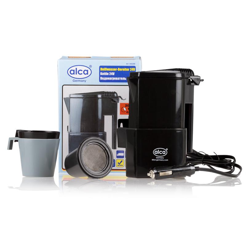 Автокофеварка Alca, 24 В542240Компактная автомобильная кофеварка Alca предназначена для приготовления горячих напитков в дороге. Корпус изделия выполнен из прочного пластика. Компактные размеры позволяют брать с собой кофеварку в дорогу. Она разогревают воду за 15-20 минут. В комплекте 2 стакана и фильтр для чая или кофе. Мощность: 120 Вт. Объем кофеварки: 400 мл. Напряжение: 24 В.