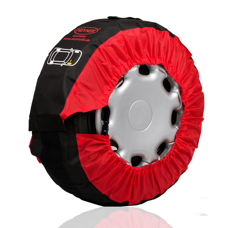 Чехлы для хранения автомобильных шин Heyner Premium, от 14 до 20, 4 шт735100Чехлы для хранения автомобильных шин и колес Heyner Premium выполнены из полиэстера и имеют широкую застежку липучку, которая позволяет легко одевать чехлы. Размер чехлов можно регулировать при помощи фиксаторов шнура, расположенных с обеих сторон. Широкая застежка липучка позволяет надежно фиксировать необходимый радиус чехла и упрощает процесс одевания и снятия. Каждый чехол оснащен ручкой для удобной переноски. Благодаря меткам на чехлах колеса можно легко и просто идентифицировать. Чехлы упакованы в удобную сумку, которая в дальнейшем может вам послужить отдельным чехлом для хранения колесных болтов. Чехлы для хранения и транспортировки шин и колес Heyner Premium отлично подойдут для тех, кто ценит надежность и удобство. Чехлы подходят к шинам от 14 до 20 дюймов.