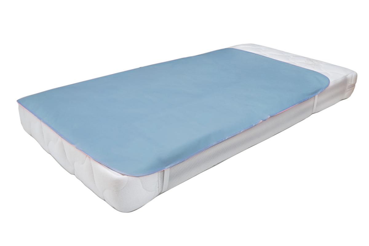 Колорит Клеенка подкладная с резинками-держателями цвет голубой 70 х 100 см0064_голубойКлеенка подкладная с ПВХ покрытием Колорит предназначена для санитарно-гигиенических целей в качестве подкладного материала в медицинской практике и в домашних условиях. ПВХ покрытие влагонепроницаемо и обладает эффектом теплоотдачи, что исключает эффект холодного прикосновения. Микропористая структура поливинилхлоридного покрытия способствует профилактике пролежней и трофических проявлений. Клеенка окантована текстильной тесьмой и дополнена резинками-держателями, что обеспечивает опрятный внешний вид и надежную фиксацию и позволяет избежать сползания клеенки.