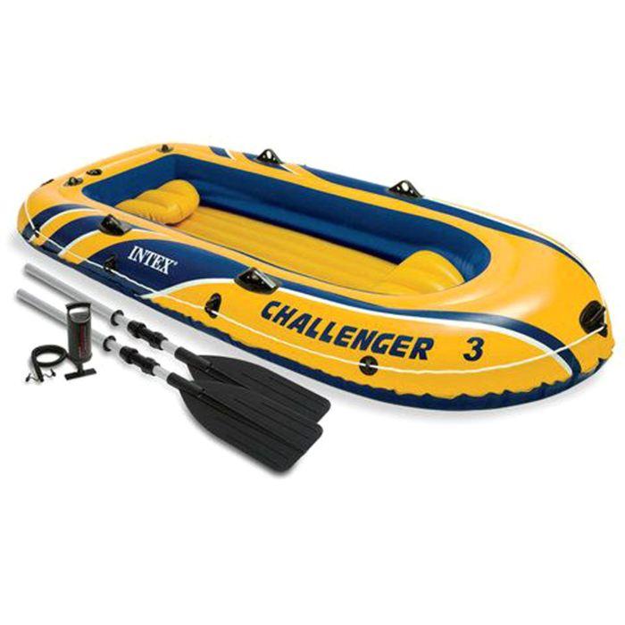 Лодка Intex Challeneger 3, цвет: желтый с синим. 68370NP589435Лодка Intex состоит из абсолютно независимых трех воздушных отсеков. Каждый отсек имеет клапан для быстрого скачивания и надувания лодки. Основной, внешний отсек придает лодке форму. Внутренние отсеки создают жесткость лодки на плаву и обеспечивают пассивную безопасность, в случае повреждения основного отсека. Надувной пол обеспечивает дополнительный комфорт нахождения внутри изделия. Для удобства конструкция надувного пола сделана волнистой, поперек бортам лодки. Лодка имеет крепления для весел и две лодочные уключины. На носу имеется пластиковая ручка, для переноса лодки или спуска на воду. Вокруг внешней камеры лодки находится веревочный трос, его можно использовать как для буксировки лодки, так и для швартования. Лодка Challeneger 3 трех-ая до 255кг 295х137х43см (в ком-те:весла,насос,2 подушки)