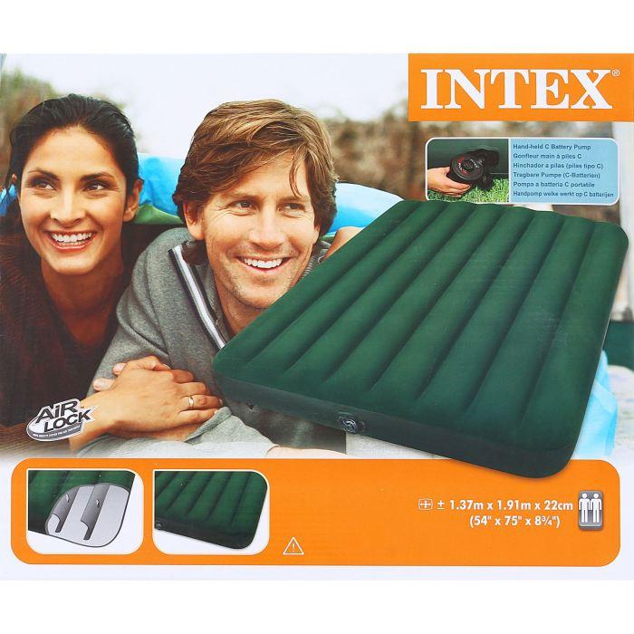 Матраc надувной Intex Prestige Downy Full 137х191х22 см, цвет: зеленый. 66968720688Надувной матрас Prestige Downy Full — идеальный вариант для поездок на природу и приема гостей. Спальное место в сложенном виде имеет компактный размер, что позволяет брать его с собой куда угодно и удобно хранить дома. Матрас оснащен встроенным насосом на батарейках. Для установки достаточно разложить его, вставить насос и нажать кнопку. Изделие приобретет нужную форму за 2,5 минуты. Мягкая флокированная поверхность не даст вам соскользнуть или упасть. Размер матраса подойдет для комфортного сна двух человек. Матраc надувной Prestige Downy Full 137х191х22 см, насос на батарейках (6 С)