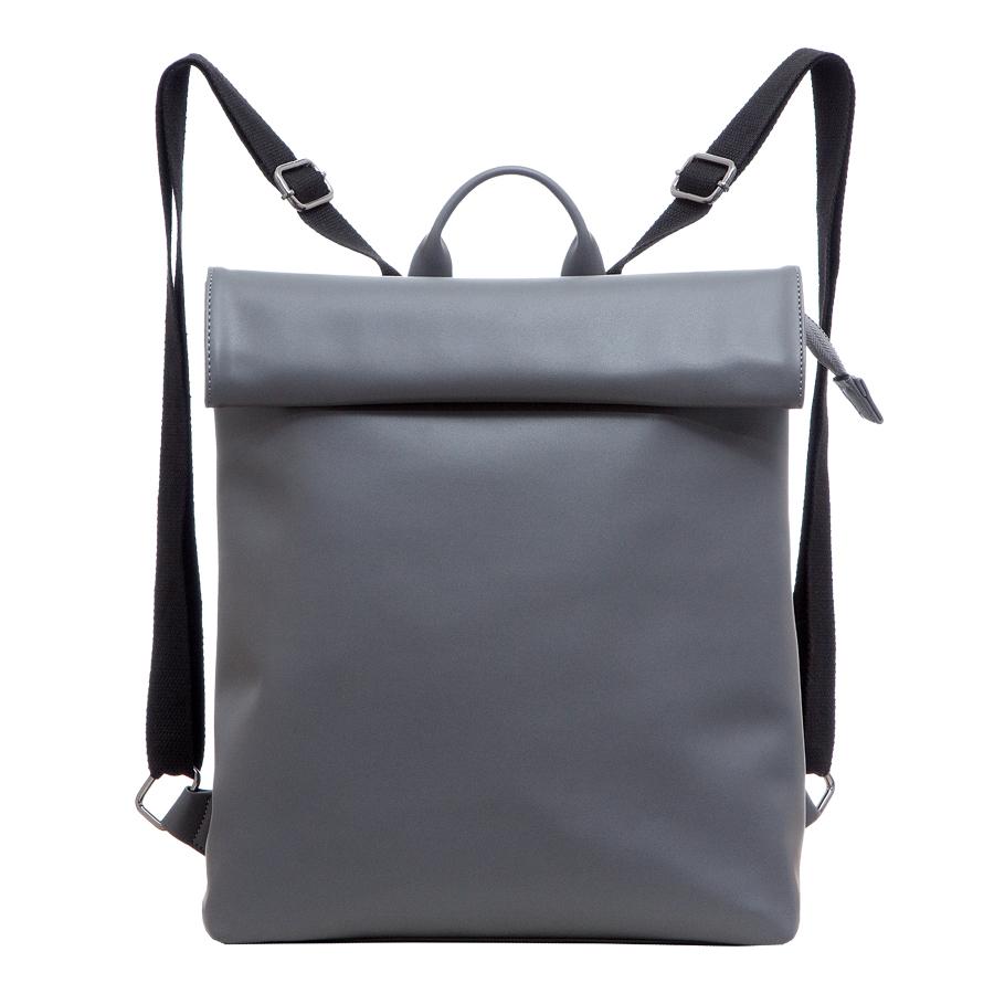 Сумка женская OrsOro, цвет: серый. D-212/45D-212/45Рюкзак с раскладывающимся клапаном, одним отделением на молнии, два внутренних кармана один из них на молнии, карман для телефона, задний карман на молнии.