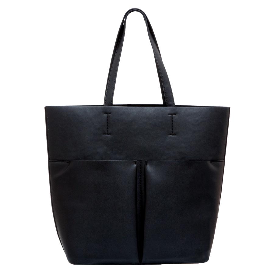 Сумка женская OrsOro, цвет: черный. D-215/1D-215/1Сумка с одним отделением, двумя объемными передними карманами и дополнительной сумкой-органайзером на молнии, с внутренним карманом на молнии и карманом для телефона