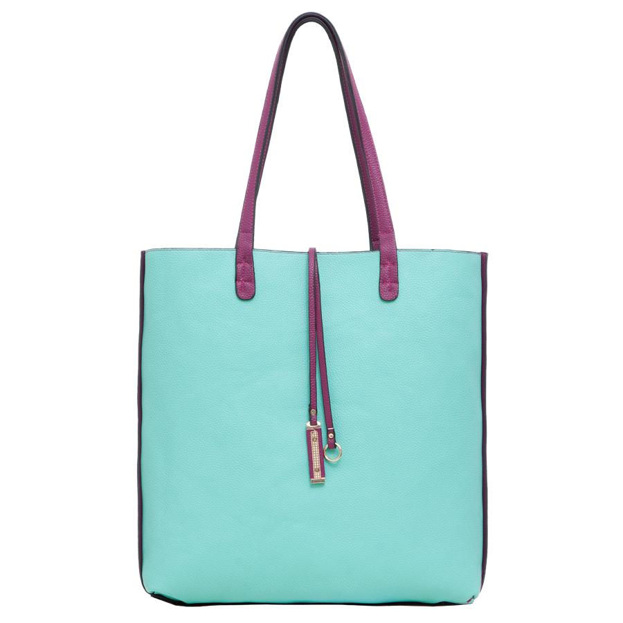 Сумка женская OrsOro, цвет: мятный, фиолетовый. D-217/38D-217/38Стильная женская двухсторонняя сумка OrsOro выполнена из мягкой экокожи зернистой фактуры. Сумка имеет одно основное отделение без застежки. Дополнена подвеской. В комплект к сумке идет дополнительная сумочка на застежке-молнии с плечевым ремнем. Внутри сумочки находится прорезной карман на застежке-молнии. Роскошная сумка внесет элегантные нотки в ваш образ и подчеркнет ваше отменное чувство стиля.