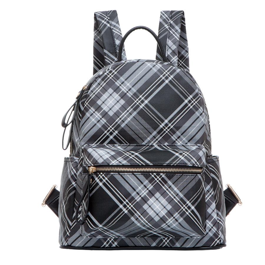 Рюкзак женский OrsOro, цвет: черная. D-235/34D-235/34Рюкзак с одним отделением, на молнии, один передний карман на молнии. Внутренний карман на молнии, карман для телефона, задний карман на молнии, два боковых кармана