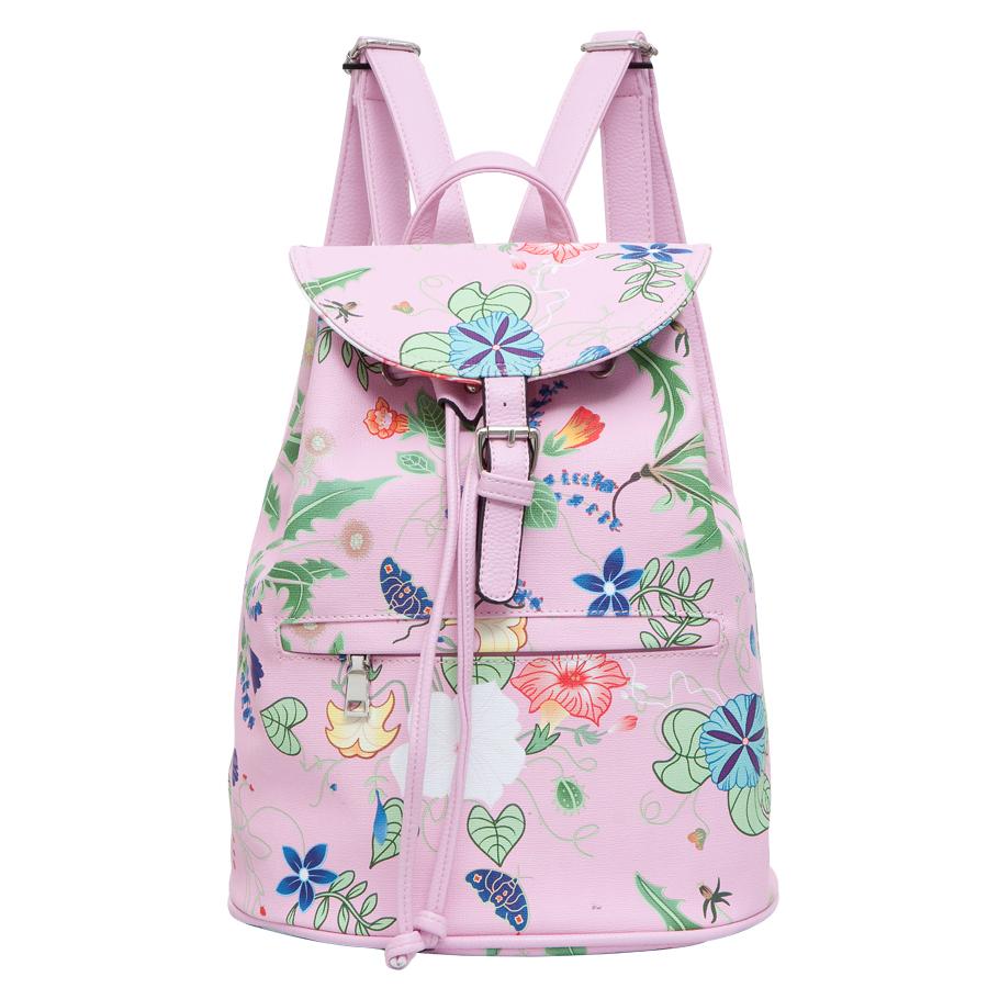 Рюкзак женский OrsOro, цвет: розовый. D-239/20D-239/20Рюкзак на затяжках с клапаном, одно отделение, один передний карман на молнии, два внутренних кармана один из них на молнии, карман для телефона, задний карман на молнии.