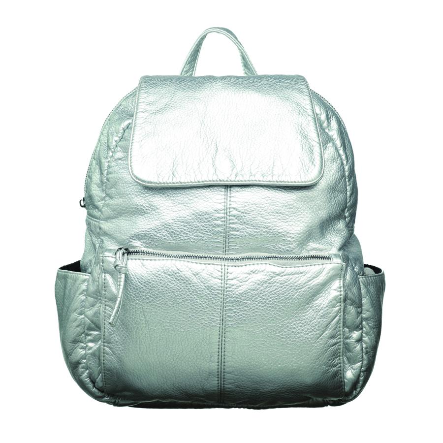 Рюкзак женский OrsOro, цвет: серебро. D-251/4D-251/4Стильный рюкзак OrsOro, выполнен из экокожи и оснащен двумя плечевыми регулируемыми ремнями на спинке и удобной ручкой для переноски. Изделие закрывается на застежку-молнию и дополнительно клапаном на кнопку, внутри имеет одно вместительное отделение с одним накладным карманом для телефона и мелочей и одним прорезным карманом на застежке-молнии. С тыльной стороны изделия имеется прорезной карман на застежке-молнии. Рюкзак оснащен также передним накладным карманом на молнии и двумя боковыми карманами для мелочей. Сумка-рюкзак OrsOro - это выбор молодой, уверенной, стильной женщины, которая ценит качество и комфорт. Изделие станет изысканным дополнением к вашему образу.