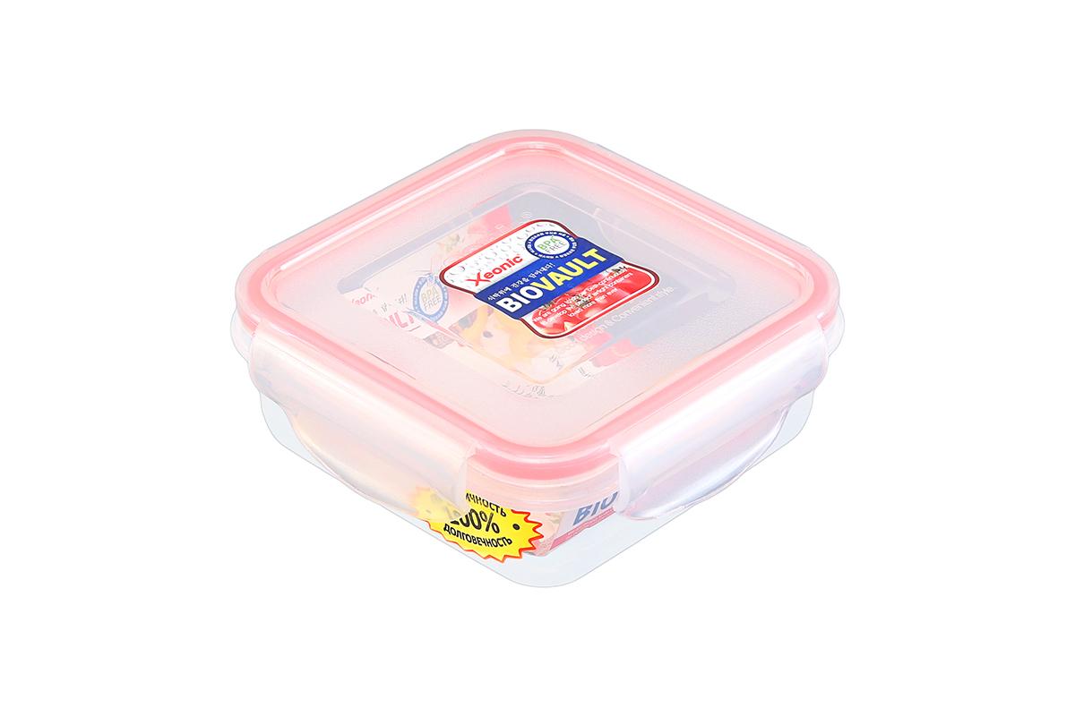 Контейнер пищевой Xeonic, квадратный, цвет: прозрачный, красный, 270 мл. 810062810062Пластиковые герметичные контейнеры для хранения продуктов Xeonic произведены из высококачественных материалов, имеют 100% герметичность, термоустойчивы, могут быть использованы в микроволновой печи и в морозильной камере, устойчивы к воздействию масел и жиров, не впитывают запах. Удобны в использовании, долговечны, легко открываются и закрываются, не занимают много места, можно мыть в посудомоечной машине. Размеры контейнера: 12 х 12 х 4,5 см.
