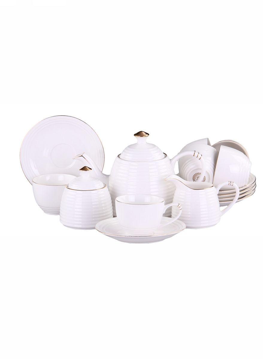 Набор чайный 15 предметов 200 мл PATRICIAIM52-1702Чайный набор включает в себя 15 предметов: 6 чашек (200мл.),6 блюдец, заварочный чайник (500 мл.), молочник и сахарницу. Изделия выполнены из фарфора безупречной белизны. Все элементы украшены позолотой. Набор имеет подарочную упаковку. Внимание! Изделия нельзя использовать в посудомоечной машине.