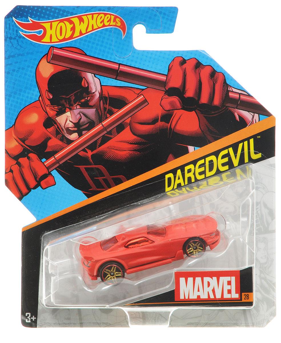 Hot Wheels Машинка DaredevilBDM71_DJJ47Машинка Hot Wheels Daredevil непременно приведет в восторг вашего малыша. Выполнена в традиционном для героя комиксов Marvel цвете - красном. Играя с машинкой, ребенок сможет развить фантазию и воображение, придумывая новые игровые сюжеты. Порадуйте его таким замечательным подарком.