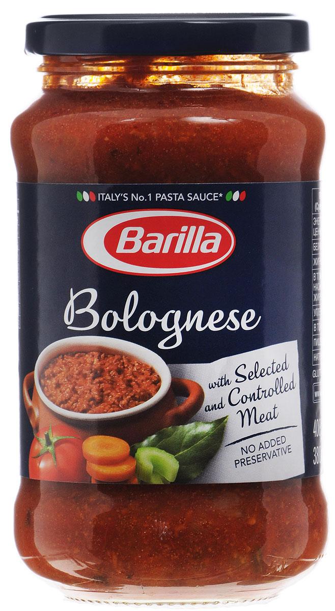 Barilla Sugo Bolognese соус болоньезе, 400 г8076809513678Густой, ароматный, невероятно вкусный и сытный соус Болоньезе - классика итальянской кухни. Секрет этого соуса в терпении и мудрости хозяйки. По традиции он должен долго томиться на самом тихом огне, чтобы мясной фарш впитал все ароматы пряных трав и овощей, стал нежным и буквально таял во рту. Соус Болоньезе составит полноценный обед или ужин в сочетании с любой пастой. Соус Болоньезе Barilla приготовлен по классическому итальянскому рецепту из высококачественных натуральных ингредиентов. Разогрейте соус в сковороде и смешайте с только что отваренной пастой. Может применяться в качестве основного соуса к пасте или как дополнение к блюдам из мяса, рыбы и овощей.
