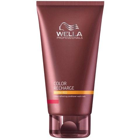 Wella Бальзам для освежения цвета Color Recharge теплых светлых оттенков, 200 мл253202Бальзам для освежения цвета теплых светлых оттенков Color Recharge поможет вашим волосам выглядеть яркими и насыщенными. Состав средства обогащен целым комплексом активых ингредиентов, которые интенсивно питают волосы, делая их мягкими и блестящими. Специальные цветовые пигменты в составе бальзама помогают цвету оставаться насыщенным.