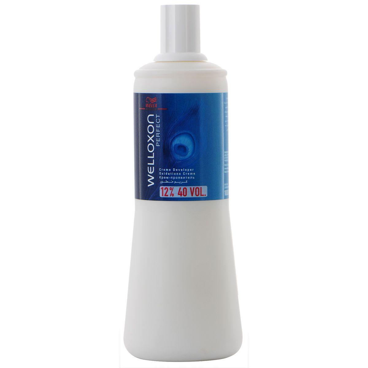 Wella Окислитель Welloxon Perfect 12%, 1000 мл00720000/81066488Окислитель WELLOXON PERFECT 12% Благодаря более кремообразной и вязкой консистенции Welloxon Perfect гарантирует лучшую смешиваемость и более косметический вид красящей массы. Красящие пигменты проникают в волосы там, где это необходимо, обеспечивая эффективный, точный и равномерный процесс окрашивания. Смешивание Welloxon Perfect и Blondor делает возможным осветление волос до семи ступеней и получение чистого светлого цвета. В зависимости от желаемой степени осветления рекомендуется использовать разные варианты Welloxon Perfect: 6%, 9% и 12%.