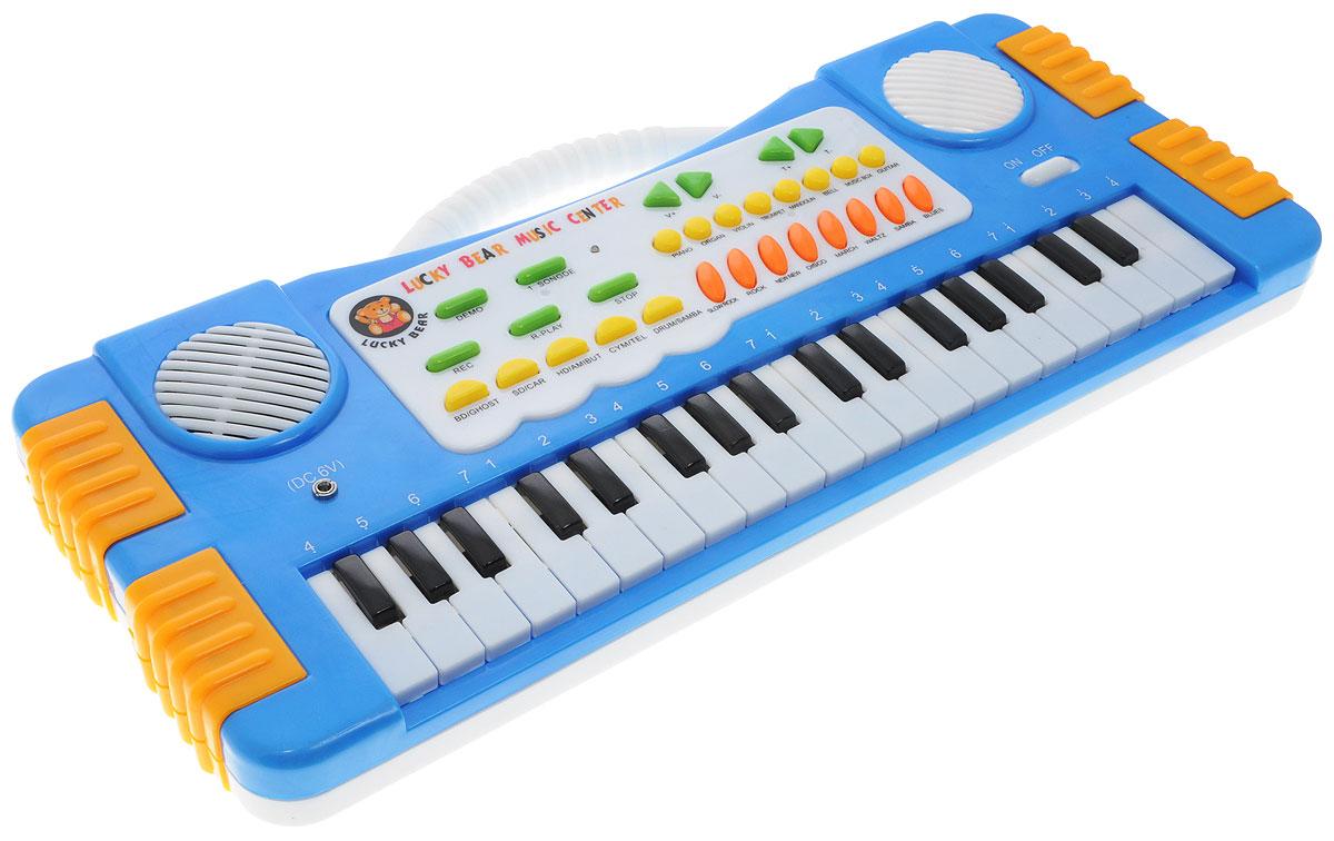 ABtoys Синтезатор DoReMi 37 клавиш цвет синийD-00019(SD955)_синийСинтезатор ABtoys DoReMi обязательно привлечет внимание малыша и доставит ему много удовольствия от часов, посвященных игре с ним. Синтезатор имеет 37 электронных клавиш и множество кнопок, позволяющих добавлять различные звуковые эффекты. Например, при составлении мелодий - менять темп и ритм музыки. При пользовании синтезатором доступно: 8 звуков музыкальных инструментов, 8 темпов ритма, 4 звука электронной барабанной установки, 5 демонстрационных песен, запись и воспроизведение, контроль громкости. С помощью этого синтезатора ребенок сможет развить свои музыкальные способности и дать возможность друзьям и близким насладиться великолепным концертом. Для работы игрушки необходимо купить 4 батарейки напряжением 1,5V типа АА (не входят в комплект).