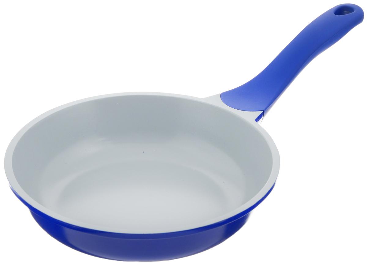 Сковорода Biostal, с керамическим покрытием, цвет: синий, серый. Диаметр 20 см. FP-20Bio-FP-20 синий/серыйСковорода Biostal выполнена из литого алюминия с многослойным керамическим покрытием Ceralon на основе натуральных компонентов швейцарского производства Ilag. Утолщенное дно изделия обеспечивает равномерное распределение тепла по всей рабочей поверхности. Ненагревающаяся эргономичная ручка из бакелита с покрытием soft-touch обеспечит удобный захват, превращая процесс приготовления пищи в удовольствие. Можно готовить с минимальным количеством масла. Подходит для использования на газовых, электрических и стеклокерамических плитах, кроме индукционных. Можно мыть в посудомоечной машине. Диаметр сковороды: 20 см. Высота стенки: 5 см. Длина ручки: 18 см.