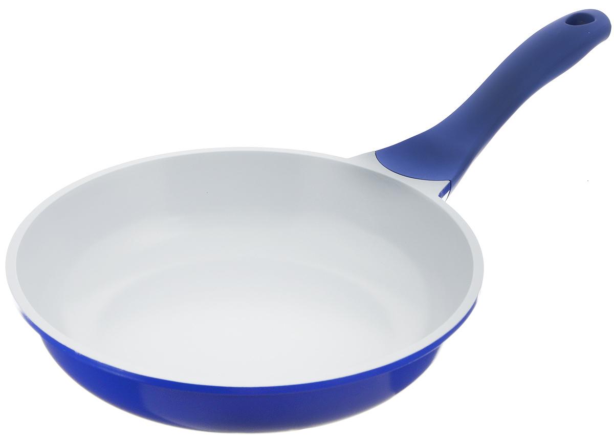 Сковорода Biostal, с керамическим покрытием, цвет: синий, серый. Диаметр 24 см. FP-24Bio-FP-24 синий/серыйСковорода Biostal выполнена из литого алюминия с многослойным керамическим покрытием Ceralon на основе натуральных компонентов швейцарского производства Ilag. Утолщенное дно изделия обеспечивает равномерное распределение тепла по всей рабочей поверхности. Ненагревающаяся эргономичная ручка из бакелита с покрытием soft-touch обеспечит удобный захват, превращая процесс приготовления пищи в удовольствие. Можно готовить с минимальным количеством масла. Подходит для использования на газовых, электрических и стеклокерамических плитах, кроме индукционных. Можно мыть в посудомоечной машине. Диаметр сковороды: 24 см. Высота стенки: 6 см. Длина ручки: 20 см.
