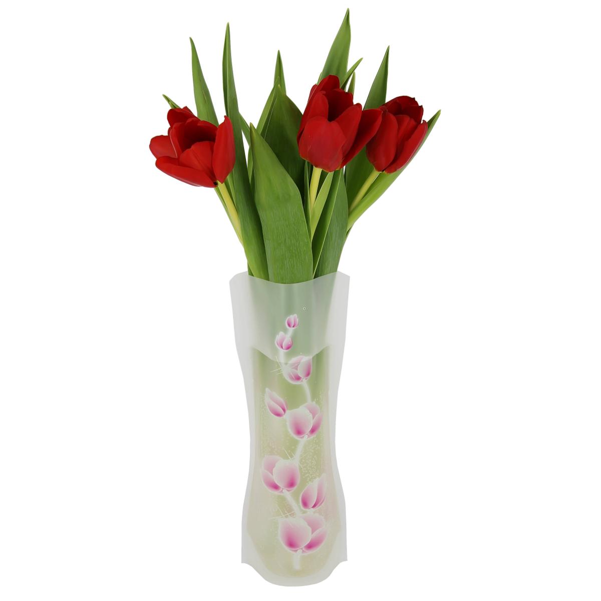 Ваза МастерПроф Розовые пионы, пластичная, 1 лHS.040030Пластичная ваза Розовые пионы легко складывается, удобно хранится - занимает мало места, долго служит. Всегда пригодится дома, в офисе, на даче, для оформления различных меропритятий. Отлично подойдет для перевозки цветов, или просто в подарок. Инструкция: 1. Наполните вазу теплой водой; 2. Дно и стенки расправятся; 3. Вылейте воду; 4. Наполните вазу холодной водой; 5. Вставьте цветы. Меры предосторожности: Хранить вдали от источников тепла и яркого солнечного света. С осторожностью применять для растений с длинными стеблями и с крупными соцветиями, что бы избежать опрокидывания вазы.