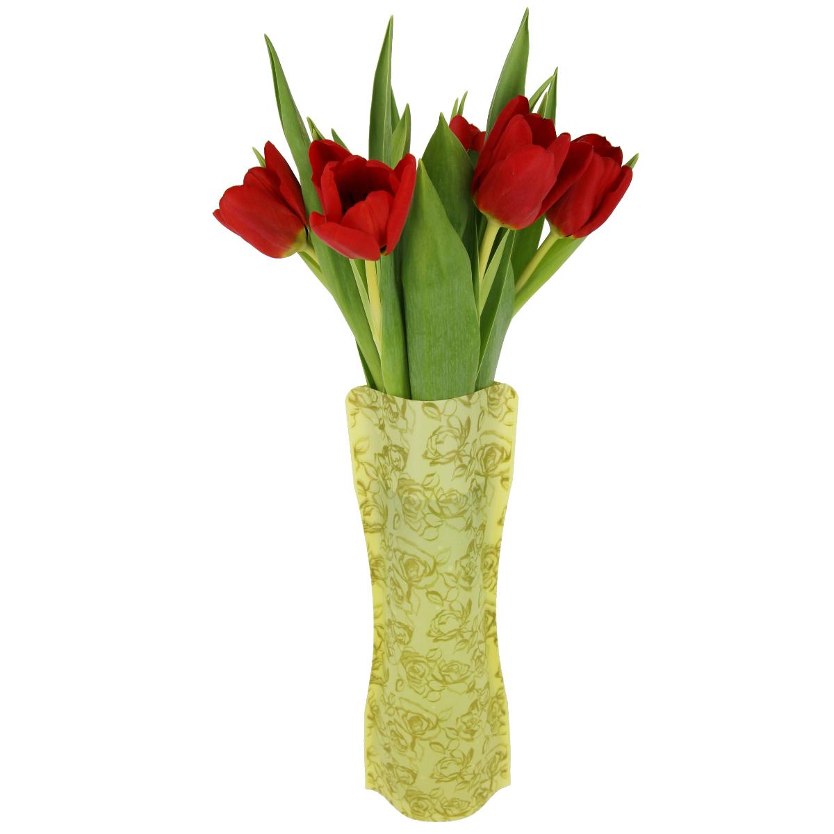 Ваза МастерПроф Золотые розы, пластичная, 1 лHS.040033Пластичная ваза Золотые розы легко складывается, удобно хранится - занимает мало места, долго служит. Всегда пригодится дома, в офисе, на даче, для оформления различных меропритятий. Отлично подойдет для перевозки цветов, или просто в подарок. Инструкция: 1. Наполните вазу теплой водой; 2. Дно и стенки расправятся; 3. Вылейте воду; 4. Наполните вазу холодной водой; 5. Вставьте цветы. Меры предосторожности: Хранить вдали от источников тепла и яркого солнечного света. С осторожностью применять для растений с длинными стеблями и с крупными соцветиями, что бы избежать опрокидывания вазы.