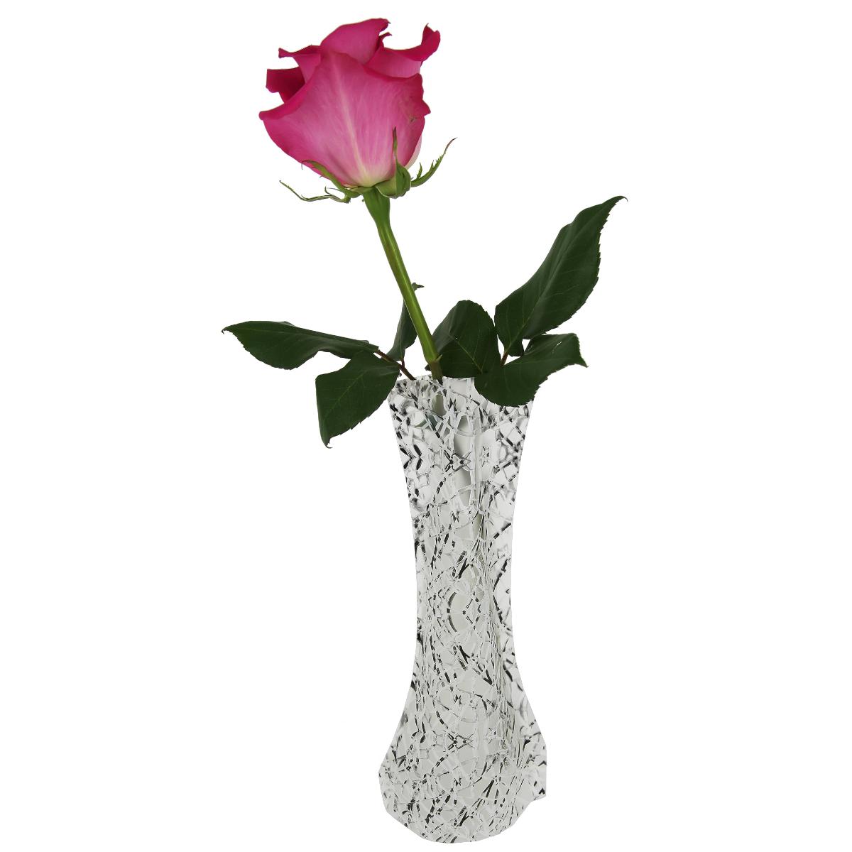Ваза МастерПроф Зимнее гнездо, пластичная, 0,4 лHS.040039Пластичная ваза Зимнее гнездо легко складывается, удобно хранится - занимает мало места, долго служит. Всегда пригодится дома, в офисе, на даче, для оформления различных меропритятий. Отлично подойдет для перевозки цветов, или просто в подарок. Инструкция: 1. Наполните вазу теплой водой; 2. Дно и стенки расправятся; 3. Вылейте воду; 4. Наполните вазу холодной водой; 5. Вставьте цветы. Меры предосторожности: Хранить вдали от источников тепла и яркого солнечного света. С осторожностью применять для растений с длинными стеблями и с крупными соцветиями, что бы избежать опрокидывания вазы.