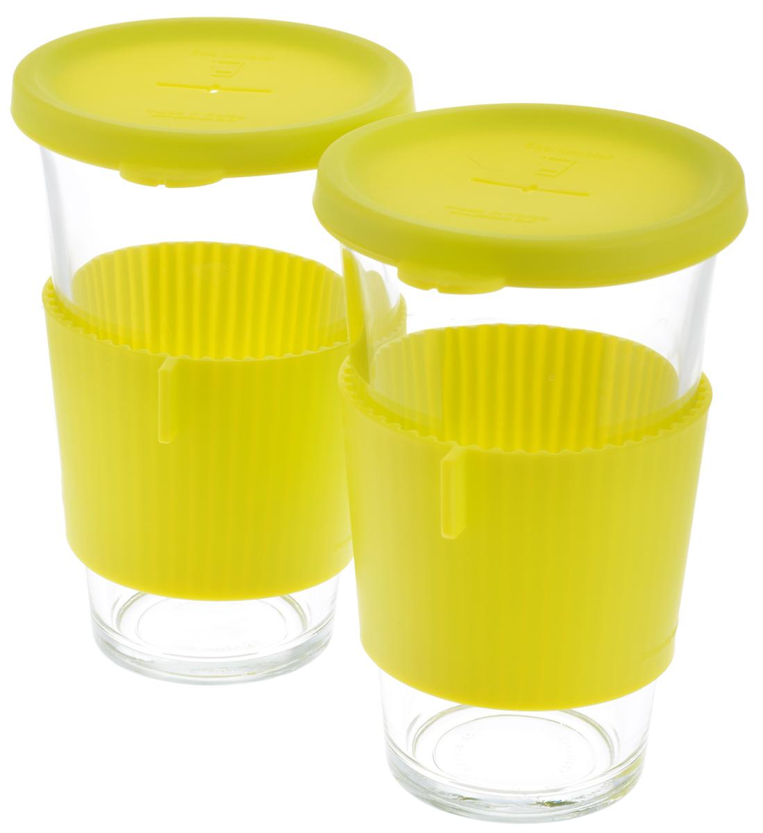Набор стаканов Glasslock, цвет: прозрачный, салатовый, 500 мл, 2 штGL-1364Набор Glasslock, изготовленный из высококачественного термостойкого стекла, состоит из двух стаканов и двух силиконовых крышек. Крышка имеет отверстие для подвешивания пакетика чая. В таком стакане лучше всего заваривать чай и другие оздоровительные напитки. Изделие имеет силиконовый держатель, для предохранения рук от высокой температуры напитка. Стакан Glasslock можно комфортно использовать на работе или в офисе, также взять с собой в путешествие, чтобы ваш любимый чай был всегда с вами. Можно мыть в посудомоечной машине и использовать в микроволновой печи. Стаканы для хранения напитков в холодильнике и морозильной камере. Не использовать в духовке. Диаметр стакана по верхнему краю: 9 см. Высота стакана (с учетом крышки): 15,5 см.