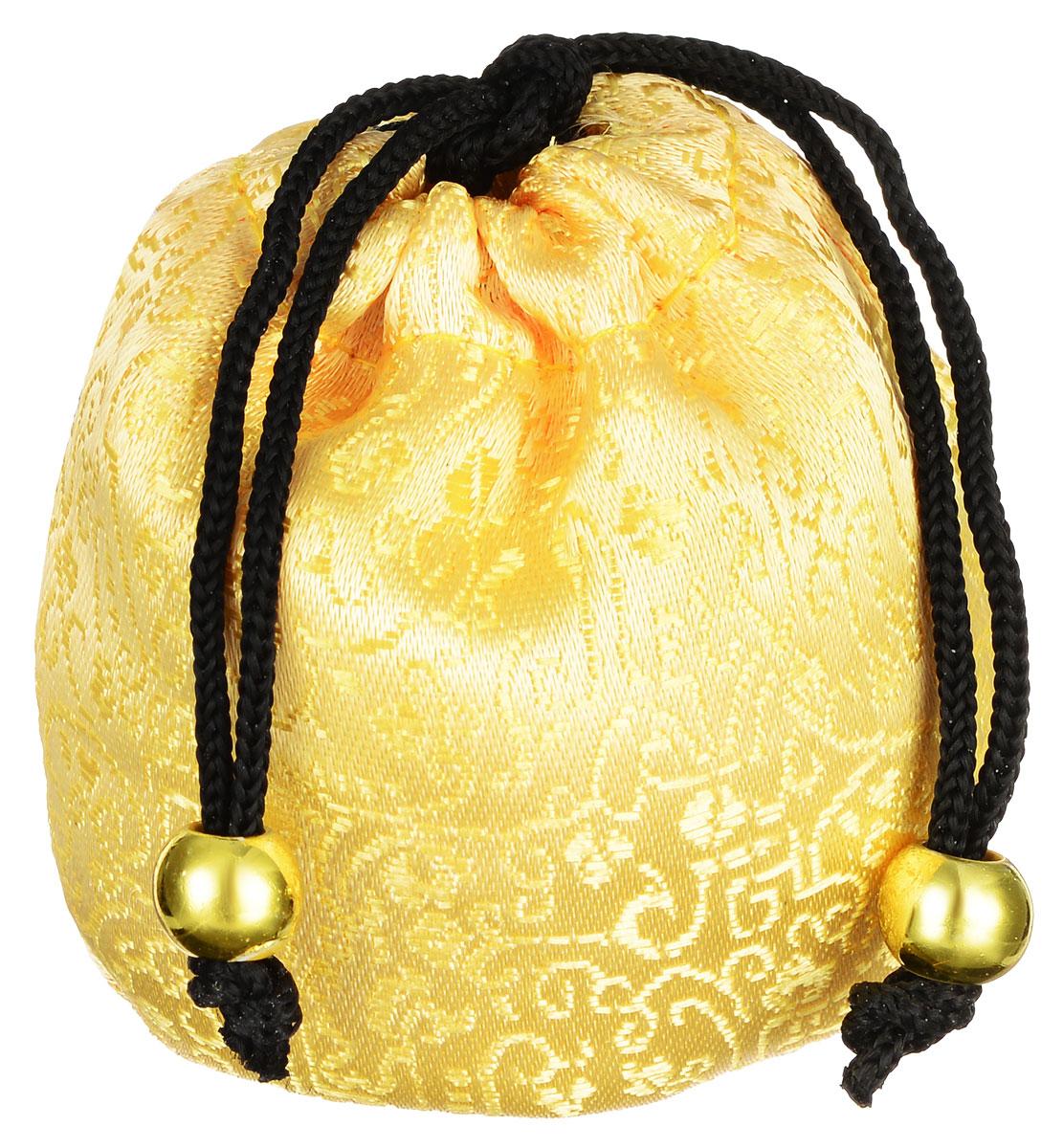 Masura Шелковый мешочек Ацуи для горячего и холодного массажа, цвет: светло-желтый804-2Шелковый мешочек Masura Ацуи применяется для холодного и горячего массажа рук и ароматерапии при проведении процедуры Японский маникюр. Изделие, оформленное оригинальной вышивкой, затягивается на кулиску с декоративными бусинами. Наполнен мешочек морской солью, сухоцветами и аромамаслами. Материал мешочка: текстиль, пластик. Размер наполненного мешочка: 6,5 см х 6,5 см х 5 см. Товар сертифицирован.