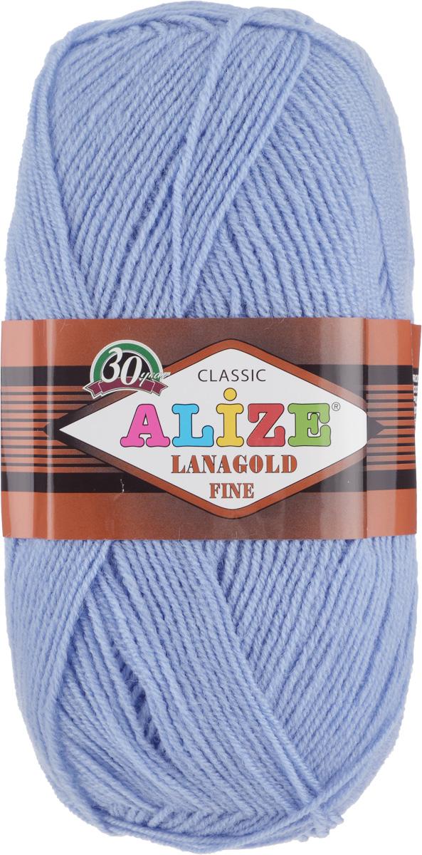 Пряжа для вязания Alize Lanagold Fine, цвет: серо-голубой (40), 390 м, 100 г, 5 шт547499_40Alize Lanagold Fine - это полушерстяная пряжа для ручного вязания. Нить плотно скручена, гибкая, послушная, не пушится, не электризуется, аккуратно ложится в петли и не деформируется после распускания. Стойкое равномерное окрашивание обеспечивает широкую палитру оттенков, высокое качество материала и используемых красителей защищает от потери цвета. Соотношение шерсти и акрила - формула практичности. Высокие тепловые характеристики сочетаются с эстетикой, носкостью и простотой ухода за вещью. Классическая пряжа для зимнего сезона, может использоваться для детской и взрослой одежды. Alize Lanagold Fine - универсальная пряжа, которая будет хорошо смотреться в узорах любой сложности. Рекомендуемый размер спиц 2,5-4 мм и крючка 2-4 мм. Состав: 49% шерсть, 51% акрил.