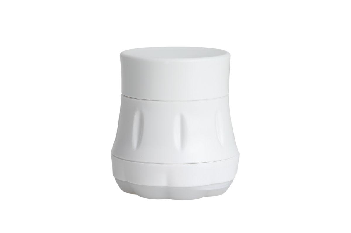 Чеснокорезка Chefn, цвет: белый102-228-009Откройте крышку, поместите очищенные зубчики чеснока в ёмкость, закройте крышку и поверните. Чеснокорезка рассчитана на 2 зубчика чеснока. Можно мыть в посудомоечной машине