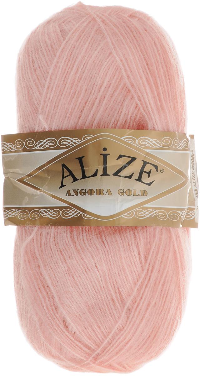 Пряжа для вязания Alize Angora Gold, цвет: нежно-розовый (363), 550 м, 100 г, 5 шт364111_363Пряжа для вязания Alize Angora Gold изготовлена из акрила, мохера и шерсти, что способствует прекрасному тепловому обмену, легкости и комфорту. Ниточка тонкая, пушистая. Из данной пряжи получаются вещи, которые не требуют ни украшений, ни дополнений. Пряжа допускает самую простую и примитивную вязку, но при этом смотрится необычно благодаря своей цветовой палитре. В ее состав входит акрил, что позволяет стирать ваши изделия в стиральной машине (на деликатной стирке) и они не потеряют свою первоначальную форму. Классическая зимняя пряжа для вязания теплых пушистых вещей. Пряжа отлично подходит для вязания свитеров, жилетов, шарфов, шапок, шалей и пр. Рекомендуется ручная стирка. Рекомендованные спицы № 3-6, крючок № 2-4. С такой пряжей для ручного вязания вы сможете связать своими руками необычные и красивые вещи. Состав: 80% акрил, 10% шерсть, 10% мохер.