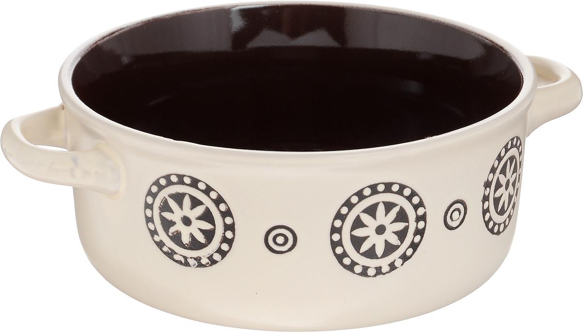 Салатник Wing Star, с ручками, цвет: бежевый, 420 млLJ3426-1305_бежевыйСалатник с ручками Wing Star покорит вас своей красотой и качеством исполнения. Изделие выполнено из высококачественной керамики. Такой салатник прекрасно подходит для холодных и горячих блюд: каш, хлопьев, супов, салатов. Он дополнит коллекцию вашей кухонной посуды и будет служить долгие годы. Можно использовать в посудомоечной машине и микроволновой печи. Диаметр салатника (по верхнему краю): 13,5 см. Ширина салатника (с учетом ручек): 17,5 см. Высота стенки салатника: 6,5 см.