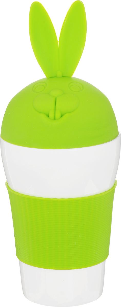 Кружка Эврика Зайка, с крышкой, цвет: белый, зеленый, 400 мл97064Кружка Эврика Зайка - это удобный стакан в силиконовой оправе, не позволяющей гладкой керамике выскользнуть из ваших рук. Изделие снабжено стилизованной под заячью макушку силиконовой крышкой, предохраняющей напиток от остывания. Этот стильный стакан станет украшением дружеской вечеринки или семейного чаепития, а также приятным подарком. Высота кружки (с учетом крышки): 23 см. Диаметр по верхнему краю: 9 см. Диаметр основания: 6 см.