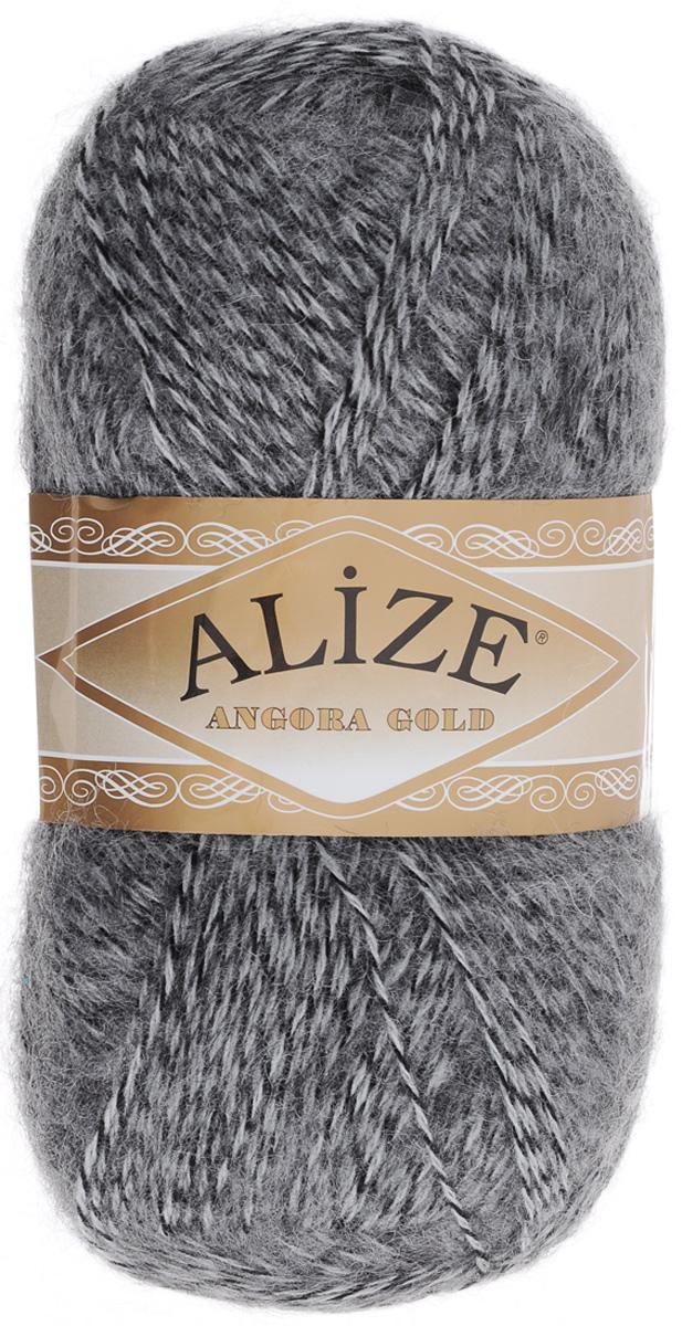 Пряжа для вязания Alize Angora Gold, цвет: черный, серый (700), 550 м, 100 г, 5 шт364111_700Пряжа для вязания Alize Angora Gold изготовлена из акрила, мохера и шерсти, что способствует прекрасному тепловому обмену, легкости и комфорту. Ниточка тонкая, пушистая. Из данной пряжи получаются вещи, которые не требуют ни украшений, ни дополнений. Пряжа допускает самую простую и примитивную вязку, но при этом смотрится необычно благодаря своей цветовой палитре. В ее состав входит акрил, что позволяет стирать ваши изделия в стиральной машине (на деликатной стирке) и они не потеряют свою первоначальную форму. Классическая зимняя пряжа для вязания теплых пушистых вещей. Пряжа отлично подходит для вязания свитеров, жилетов, шарфов, шапок, шалей и пр. Рекомендуется ручная стирка. Рекомендованные спицы № 3-6, крючок № 2-4. С такой пряжей для ручного вязания вы сможете связать своими руками необычные и красивые вещи. Состав: 80% акрил, 10% шерсть, 10% мохер.