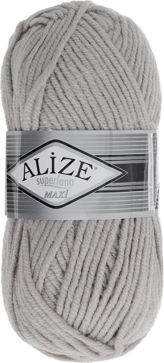 Пряжа для вязания Alize Superlana Maxi, цвет: пепельный (652), 100 м, 100 г, 5 шт364131_652Пряжа Alize Superlana Maxi обладает плотной скруткой (немного напоминает шнурок), при этом нить мягкая, чуть упругая. Благодаря составу и скрутке петли отлично ложатся одна к другой, вязаное полотно получается ровное и однородное. Пряжа с умеренным, недлинным ворсом, отлично ложится в узор и держит его. Мягкая, очень комфортная как для работы, так и для носки. В качестве моделей для вязки можно рекомендовать плотные вещи: пальто, осенние длинные кардиганы, пончо, болеро, мужские свитера. Рассчитана на любой уровень мастерства, но особенно понравится начинающим мастерицам - благодаря толстой нити пряжа Alize Superlana Maxi позволяет быстро связать простую вещь. Структура и состав пряжи максимально комфортны для вязания. Рекомендуемый размер спиц: № 8-10 мм. Состав: 75% акрил, 25% шерсть.