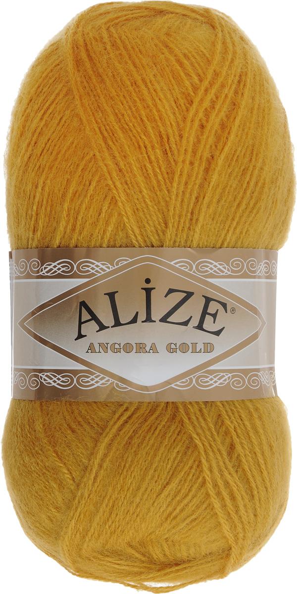 Пряжа для вязания Alize Angora Gold, цвет: золотой (02), 550 м, 100 г, 5 шт364111_02Пряжа для вязания Alize Angora Gold изготовлена из акрила, мохера и шерсти, что способствует прекрасному тепловому обмену, легкости и комфорту. Ниточка тонкая, пушистая. Из данной пряжи получаются вещи, которые не требуют ни украшений, ни дополнений. Пряжа допускает самую простую и примитивную вязку, но при этом смотрится необычно благодаря своей цветовой палитре. В ее состав входит акрил, что позволяет стирать ваши изделия в стиральной машине (на деликатной стирке), и они не потеряют свою первоначальную форму. Классическая зимняя пряжа для вязания теплых пушистых вещей. Пряжа отлично подходит для вязания свитеров, жилетов, шарфов, шапок, шалей и пр. Рекомендуется ручная стирка. Рекомендованные спицы № 3-6, крючок № 2-4. С такой пряжей для ручного вязания вы сможете связать своими руками необычные и красивые вещи. Состав: 80% акрил, 10% шерсть, 10% мохер.