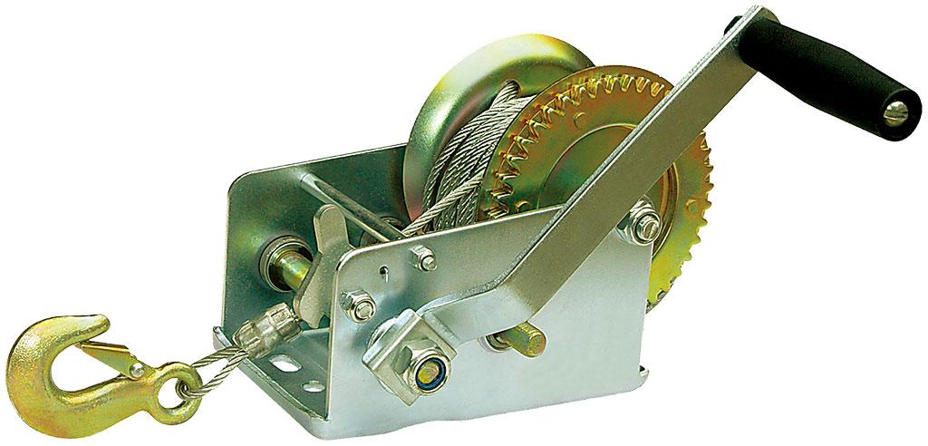 Лебедка ручная Zipower, 1134 кг, 10 мPM 4240Лебедка Zipower предназначена для перемещения грузов в горизонтальном положении весом до 0,5 тонны. Позволяет самостоятельно вытащить застрявший автомобиль. Шестеренчатая лебедка имеет прочный стальной корпус и стальной шестеренчатый механизм, который приводится в движение вращением ручки. Тяговое усилие: 1134 кг. Длина троса: 10 м. Максимальный вес груза: 0,5 т.