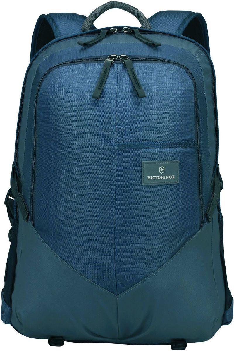 Рюкзак Victorinox Altmont3.0, Deluxe Backpack 17, цвет: синий. 3238800932388009Оригинальный швейцарский армейский нож «Swiss Army» был создан в 1897 году в небольшой деревушке Ибах в Швейцарии.С тех пор продукция,выпускаемая под маркой «Victorinox» с ее узнаваемым логотипом в виде креста на щите,по праву считается эталоном отличного качества,высокой функциональности,инновационных технологий и культового дизайна.Наша преданность принципам в течение последних 130 лет позволила нам создавать продукты,которые являются выдающимися не только по дизайну и качеству,но которые также являются надежными спутниками в больших и маленьких жизненных приключениях. Сегодня мы с гордостью представляем линейку сумок,чемоданов и дорожных аксессуаров,которые наилучшим образом воплощают в себе данные принципы,а также сочетают в себе черты нашего лучшего классического стиля. Индивидуальность-это то,что отличает вас от любого другого человека,с которым вы сталкиваетесь на улице,в поезде,с которым вы общаетесь в городе.Каждый день вашей жизни — это уникальный...