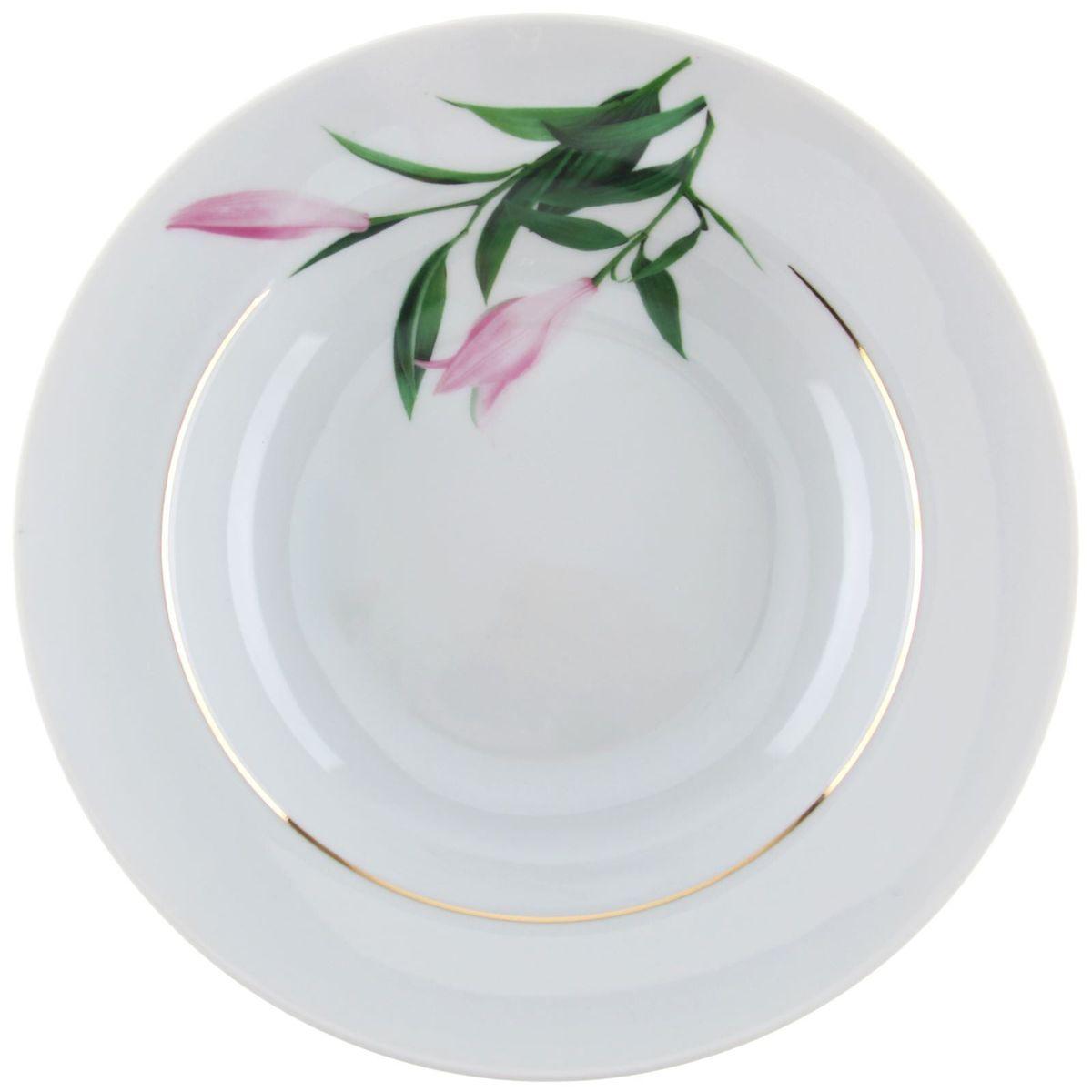Тарелка глубокая Идиллия. Бутон, диаметр 24 см1303785Глубокая тарелка Идиллия. Бутон выполнена из высококачественного фарфора и оформлена цветочным рисунком. Изделие сочетает в себе изысканный дизайн с максимальной функциональностью. Тарелка прекрасно впишется в интерьер вашей кухни и станет достойным дополнением к кухонному инвентарю. Тарелка Идиллия. Бутон подчеркнет прекрасный вкус хозяйки и станет отличным подарком. Диаметр: 24 см.