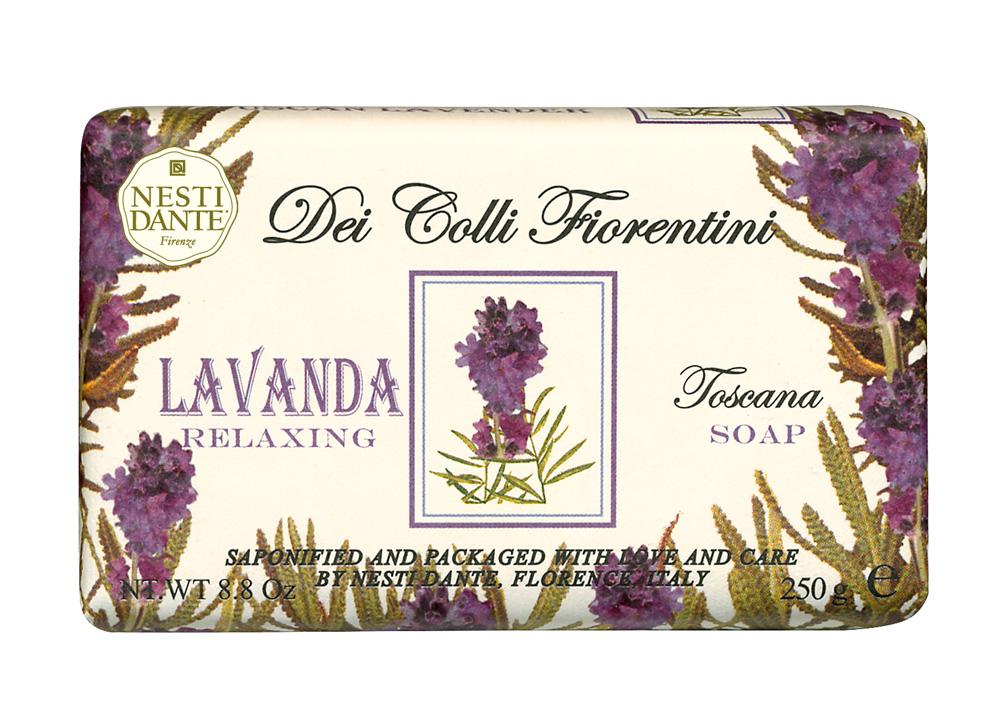Мыло Nesti Dante Dei Colli Fiorentini. Лаванда, 250 г1754106Великолепное растительное мыло премиум-класса Nesti Dante Dei Colli Fiorentini. Лаванда изготовлено по старинным рецептам и по традиционной котловой технологии, в составе мыла только натуральные оливковое и пальмовое масло высочайшего качества, для ароматизации использованы органические эфирные масла. Ежедневный ритуал красоты, любви и заботы не только для тела, но и для души. Мыло Dei Colli Fiorentini. Лаванда - путешествие в мир ароматов сквозь цветущие флорентийские холмы - для хорошего самочувствия и бодрости духа, расслабляющий аромат. Изысканная флорентийская бумага, в которую завернуто мыло, расписана акварелью, на каждом кусочке мыла выгравирована надпись With Love And Care (С любовю и заботой).