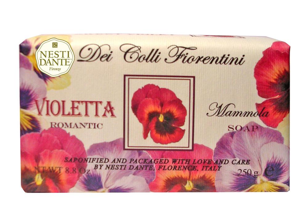Мыло Nesti Dante Dei Colli Fiorentini. Фиалка, 250 г1756106Великолепное растительное мыло премиум-класса Nesti Dante Dei Colli Fiorentini. Фиалка изготовлено по старинным рецептам и по традиционной котловой технологии, в составе мыла только натуральные оливковое и пальмовое масло высочайшего качества, для ароматизации использованы органические эфирные масла. Ежедневный ритуал красоты, любви и заботы не только для тела, но и для души. Мыло Dei Colli Fiorentini. Фиалка - путешествие в мир ароматов сквозь цветущие флорентийские холмы - для хорошего самочувствия и бодрости духа, романтичный аромат. Изысканная флорентийская бумага, в которую завернуто мыло, расписана акварелью, на каждом кусочке мыла выгравирована надпись With Love And Care (С любовю и заботой). Характеристики: Вес: 250 г. Производитель: Италия. Товар сертифицирован. Nesti Dante - одна из немногих итальянских мыловаренных фабрик, которая продолжает использовать в производстве только натуральные...