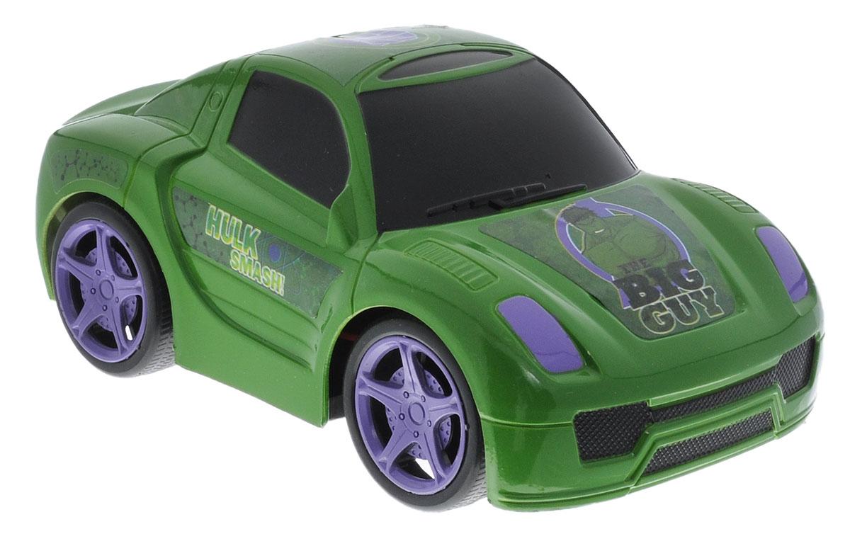 Avengers Машина на радиоуправлении Hulk Smash!5072_зеленыйМашина на радиоуправлении Avengers Hulk Smash! выполнена в стиле персонажа Мстителей Халка. Игрушка обязательно привлечет внимание не только ребенка, но и взрослого и станет отличным подарком любителю веселых развлечений. Модель обладает высокой стабильностью движения, что позволяет полностью контролировать его процесс, управляя уверенно и без суеты. Ваш малыш часами будет играть с моделью, придумывая различные истории и устраивая соревнования. Порадуйте своего малыша таким замечательным подарком! Для работы машинки необходимо докупить 3 батарейки мощностью 1,5V типа AA (не входят в комплект). Для работы пульта необходимо докупить 2 батарейки мощностью 1,5V типа AA (не входят в комплект).