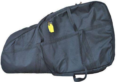 Сумка для лодочного мотора AG-brand Эконом 2 т, 10 л.с., цвет: черныйAG-Uni-OM-Eco-2T/10hpПереноска и хранение лодочного мотора. Сумка изготовлена из ткани плотностью 600den с влагоотталкивающей пропиткой. С внутренней стороны сумка выполнена из ткани с пвх покрытием и имеет антиударные вставки толщиной 5мм из вспененного наполнителя. Сумка на прочной двухзамковой молнии и имеет ручки для переноски мотора (в руках и на плече).