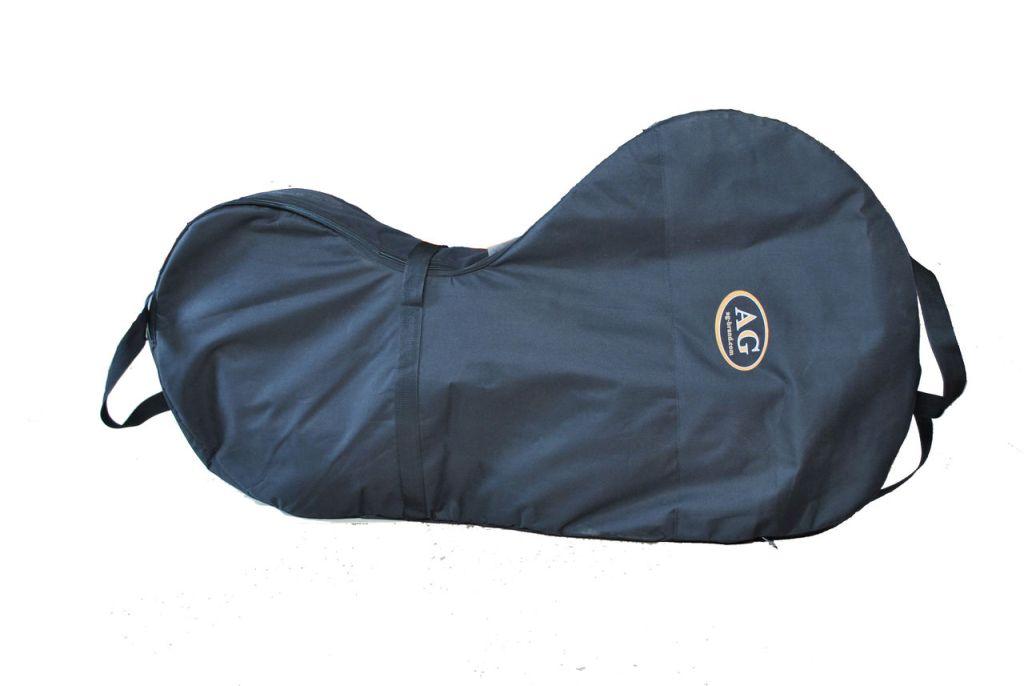 Сумка для лодочного мотора AG-brand 4 т, 9,8-20 л.с., цвет: черныйAG-Uni-OM-N4T10-4T/10hp-600Переноска и хранение лодочного мотора. Сумка изготовлена из ткани плотностью 600den с влагоотталкивающей пропиткой. С внутренней стороны сумка выполнена из ткани с пвх покрытием и имеет антиударные вставки толщиной 8мм из вспененного наполнителя. Сумка на прочной двухзамковой молнии и имеет карман для документации и мелких деталей. Есть ручки для переноски мотора в руках и на плече. Также на сумке предусмотренныдополнительные ручки и мотор могут нести одновременно два человека.