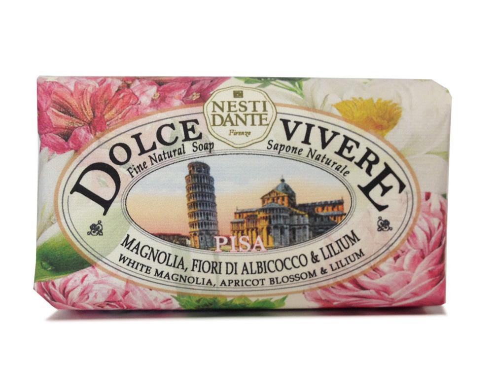 Nesti Dante Мыло Dolce Vivere. Пиза, 250 г1338106Великолепное растительное мыло премиум-класса Nesti Dante Dolce Vivere. Пиза изготовлено по старинным рецептам и по традиционной котловой технологии, в составе мыла только натуральные оливковое и пальмовое масло высочайшего качества, для ароматизации использованы органические эфирные масла. Мыло Dolce Vivere переносит вас в самые очаровательные места Италии, прекрасные и вдохновляющие виды заливов, городов и деревень, полных очарования, культуры и истории. Мыло Nesti Dante Dolce Vivere. Пиза имеет приятный аромат с аккордами магнолии, сирени и цветов абрикоса. Изысканная флорентийская бумага, в которую завернуто мыло, расписана акварелью, на каждом кусочке мыла выгравирована надпись With Love And Care (С любовью и заботой). Товар сертифицирован.