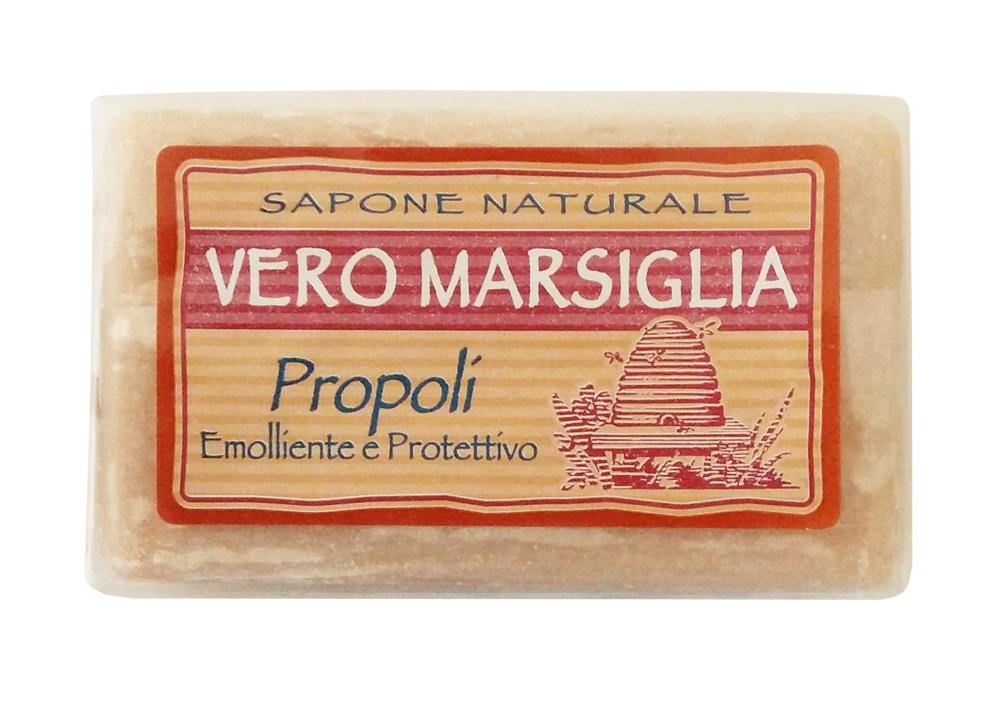 Nesti Dante Мыло Vero Marsiglia. Прополис, 150 г1935124Великолепное растительное мыло Nesti Dante Vero Marsiglia. Прополис изготовлено по старинным рецептам и по традиционной котловой технологии, в составе мыла только натуральные оливковое и пальмовое масло высочайшего качества, для ароматизации использованы органические эфирные масла. Ежедневный ритуал красоты, любви и заботы не только для тела, но и для души. Vero Marsiglia - линия классического мыла создана для традиционного ухода за кожей. Мыло Прополис содержит натуральные экстракты, интенсивно питающие вашу кожу. Товар сертифицирован.