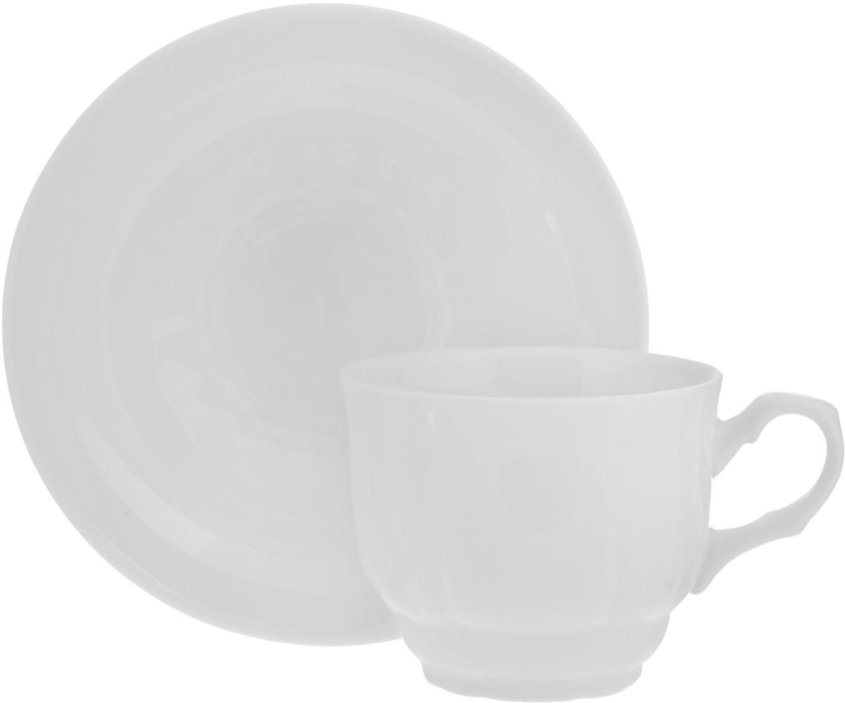 Чайная пара Тюльпан. Белье, 2 предмета507780Чайная пара Тюльпан. Белье состоит из чашки и блюдца, изготовленных из высококачественного фарфора. Оригинальный дизайн, несомненно, придется вам по вкусу. Чайная пара Тюльпан. Белье украсит ваш кухонный стол, а также станет замечательным подарком к любому празднику. Диаметр чашки (по верхнему краю): 8,5 см. Высота чашки: 7 см. Диаметр блюдца: 15 см. Высота блюдца: 3 см.