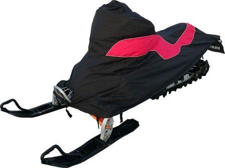 Чехол транспортировочный AG-brand для снегохода Yamaha Phazer M-TX, цвет: черный, красныйAG-YAM-SMB-Phazer-TCЧехол для транспортировки изготовлен из высокопрочной ткани с водоотталкивающей пропиткой. Чехол имеет светоотражающий кант для улучшения видимости в темноте. Резинки в передней и задней части чехла позволяют быстро и легко одеть чехол на технику. Чехол крепится к снегоходу в трех местах при помощи утягивающих строп (входят в комплект). Чехол закрывает снегоход вместе с амортизаторами и имеет клапана для выхода избыточного давления воздуха. На чехле установлена молния для быстрого доступа к заливной горловине бака.
