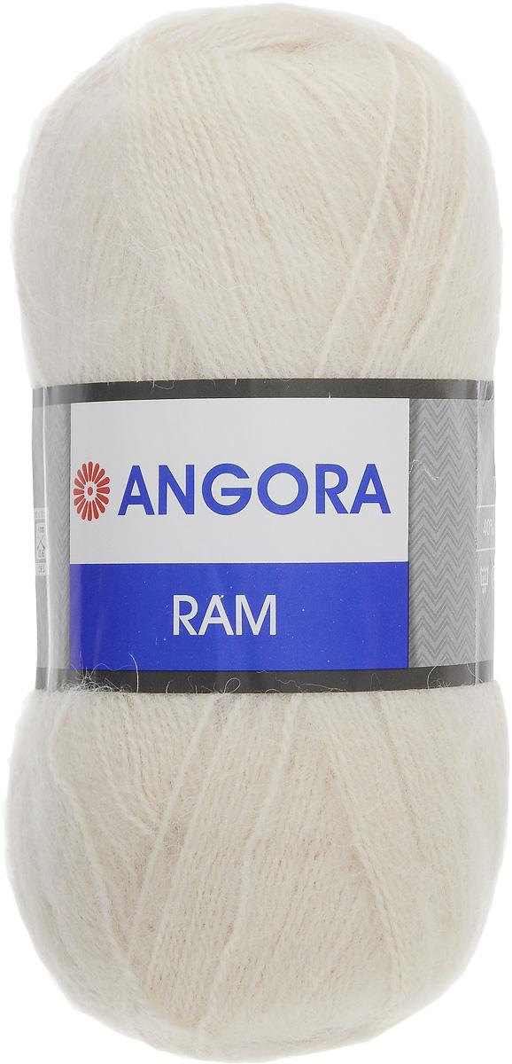 Пряжа для вязания YarnArt Angora Ram, цвет: белый жемчуг (320), 500 м, 100 г, 5 шт372037_320Пряжа для вязания YarnArt Angora Ram изготовлена из натурального мохера с добавлением акрила. Пряжа из такого материала обладает повышенной прочностью и эластичностью, а изделия получаются теплые и уютные. Скрутка нити плотная, равномерная, не расслаивается, не путается, хорошо скользит по спицам, вяжется очень легко. Петли выглядят аккуратно, а натуральный мохер обеспечивает теплоту, легкость и превосходный внешний вид. Нить можно комбинировать с полушерстяными пряжами для смягчения рисунка, придания благородной пушистости фактуре нити, а также для улучшения тепловых характеристик. Благодаря содержанию синтетических волокон, изделия из YarnArt Angora Ram устойчивы к скатыванию, а благодаря своей мягкости такая пряжа подходит для детских вещей. Ажурные вещи сохраняют тепло не хуже плотного вязания, оставаясь легкими и объемными. Рекомендуемый размер спиц: №4. Примерный расход пряжи на джемпер: S - 400 г, M - 500 г, L - 600 г. Состав: 40%...