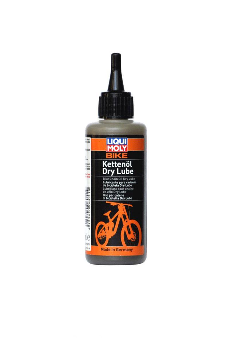 Смазка для цепи велосипеда Liqui Moly Bike Kettenoil Dry Lube, в сухую погоду, 100 мл6051Liqui Moly Bike Kettenoil Dry Lube применяется для смазки цепей велосипедов, работающих в присутствии сухой пыли. Содержит специальную комбинацию компонентов, которые наряду с их высокой проникающей способностью и липкостью обеспечивают наивысшую защиту от износа, благодаря нано-компонентам. Трение цепи заметно снижается и обеспечивается особо плавный ход. Особенности: Специально для сухих и пыльных условиях. Высокие антикоррозийные свойства. Повышенная температурная стойкость. Очень высокая защита от износа благодаря нано-компонентам. Высокие пылеотталкивающие свойства. Нейтральна к пластмассам, лакокрасочным материалам, металлам и уплотнительным кольцам. Хорошо держится на поверхностях. База: синтетические масла и специальные. Товар сертифицирован.