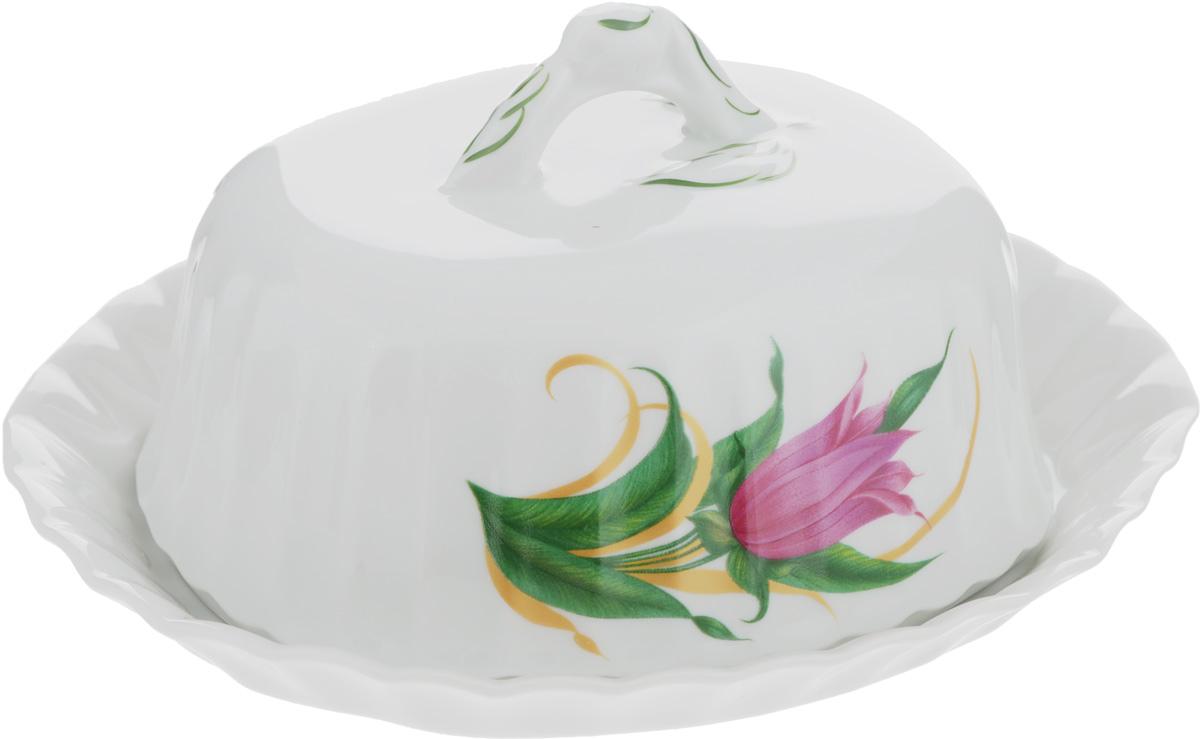 Масленка Тюльпан. Колокольчики507767Масленка Тюльпан. Колокольчики изготовлена из фарфора, покрытого блестящей глазурью. Изделие представляет собой поднос овальной формы, на который, благодаря специальным выемкам, устанавливается крышка. Масленка декорирована красивым изображением цветов. Такая масленка станет изысканным украшением стола и порадует вас и ваших гостей оригинальным дизайном и качеством исполнения. Она прекрасно подойдет в качестве подарка к любому случаю. Размер подноса: 19 х 16 см. Высота подноса: 2,5 см. Размер крышки: 14,5 х 11,8 см. Высота крышки: 8 см.