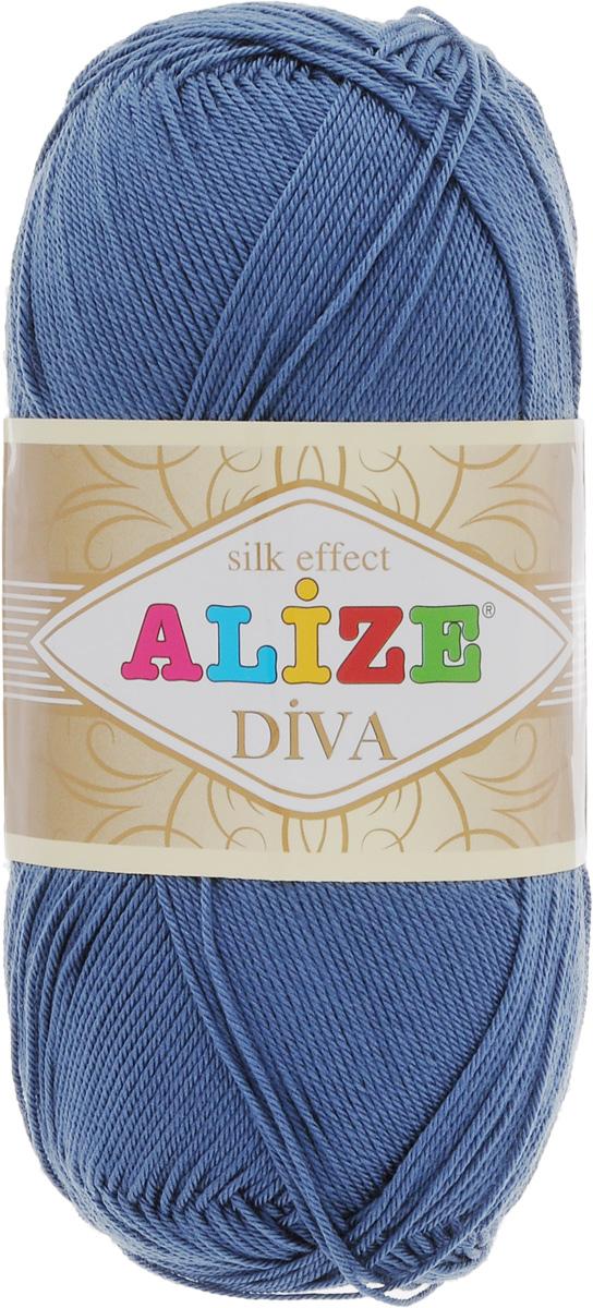 Пряжа для вязания Alize Diva, цвет: джинс (353), 350 м, 100 г, 5 шт364126_353Легкая пряжа Alize Diva с шелковым эффектом для весенних или летних вещей. Приятная на ощупь, обладающая высокой гигроскопичностью, пряжа Alize Diva из акрила подойдет для самых разных вязаных изделий: сарафанов, туник, платьев, легких костюмов, кофт, шалей и накидок. Ее с одинаковым успехом можно использовать и для спиц, и для вязания крючком. В палитре большой выбор ярких цветов и пастельных мягких оттенков. Не стоит с предубеждением относиться к искусственной пряже, ведь она обладает целым рядом преимуществ. За изделиями из пряжи Alize Diva проще ухаживать, они не подвержены скатыванию, не вызывают аллергии, не собирают пыль, не линяют и не оставляют ворсинок на другой одежде. Рекомендованные спицы № 2,5- 3,5, крючок № 1-3. Состав: 100% акрил.